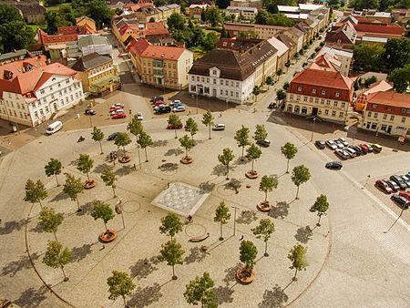 Marktplatz Neustrelitz mit acht strahlenförmig abgehenden Straßen